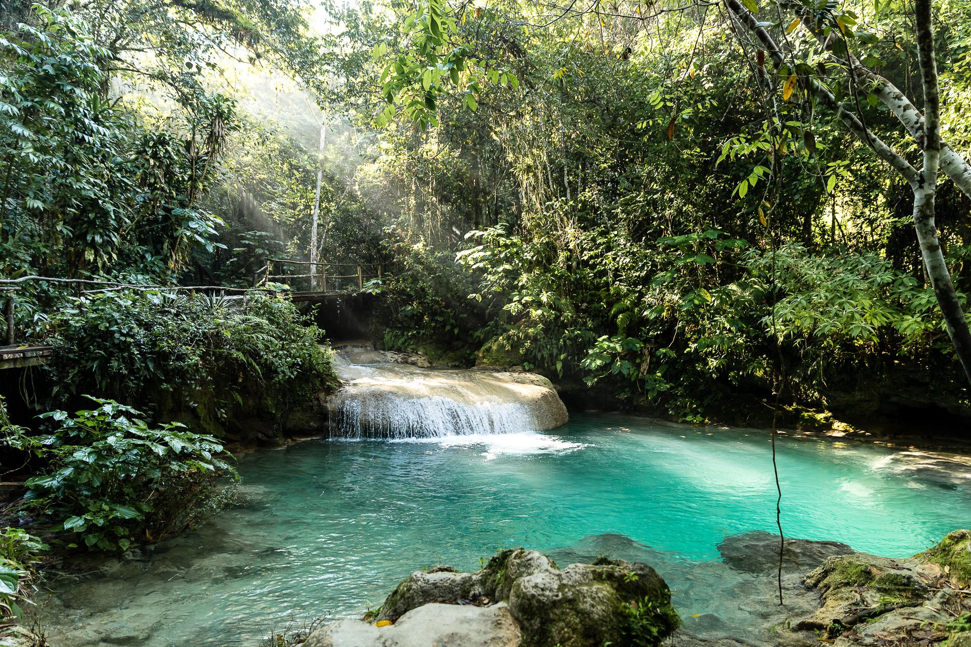 Bild: Ein Tagesausflug zum El Nicho Wasserfall und Naturpools in der Nähe von Cienfuegos Kuba