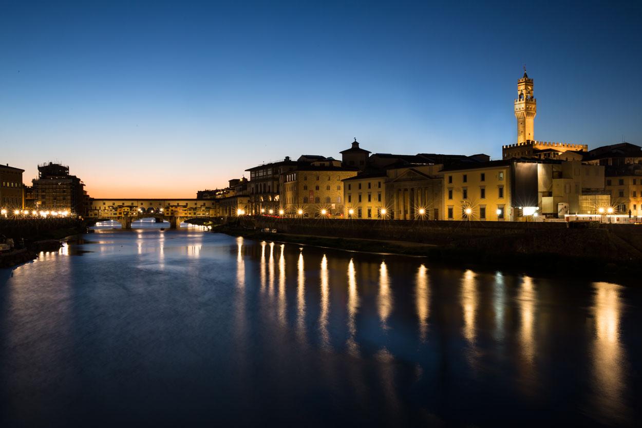 Bild: Florenz bei Nacht