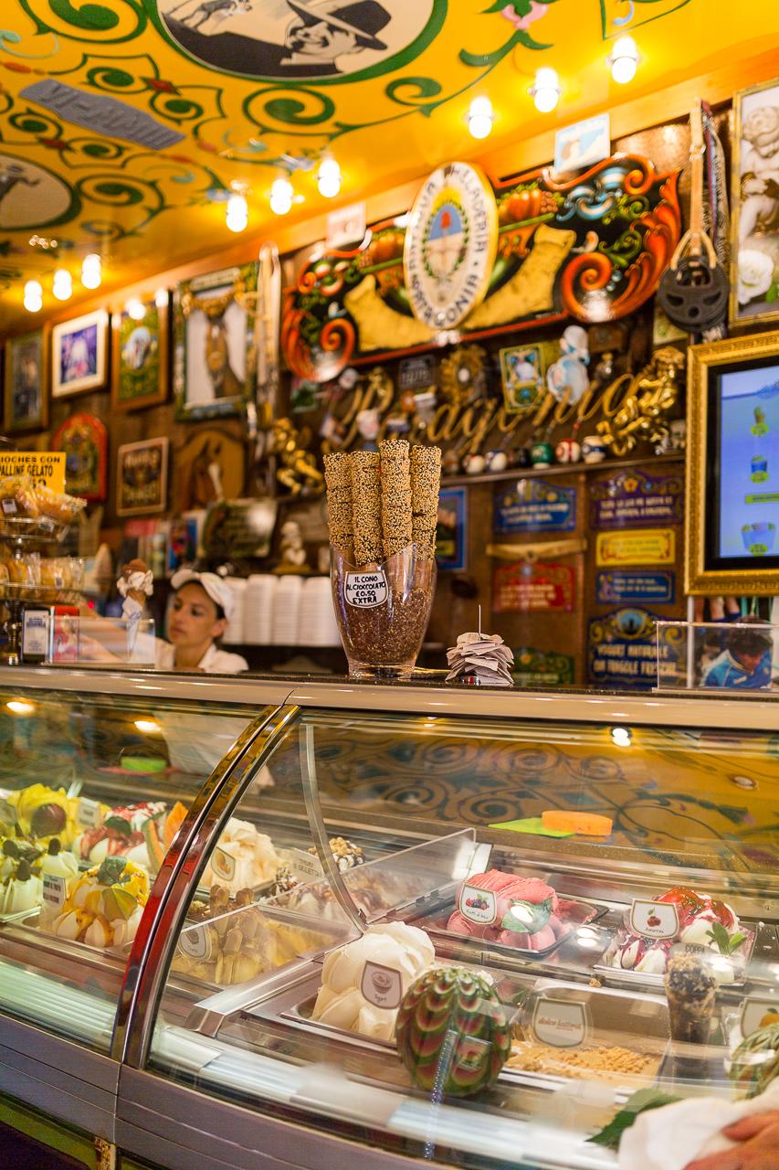Bild: Eisdiele in Italien mit italienischem Eis in Norditalien