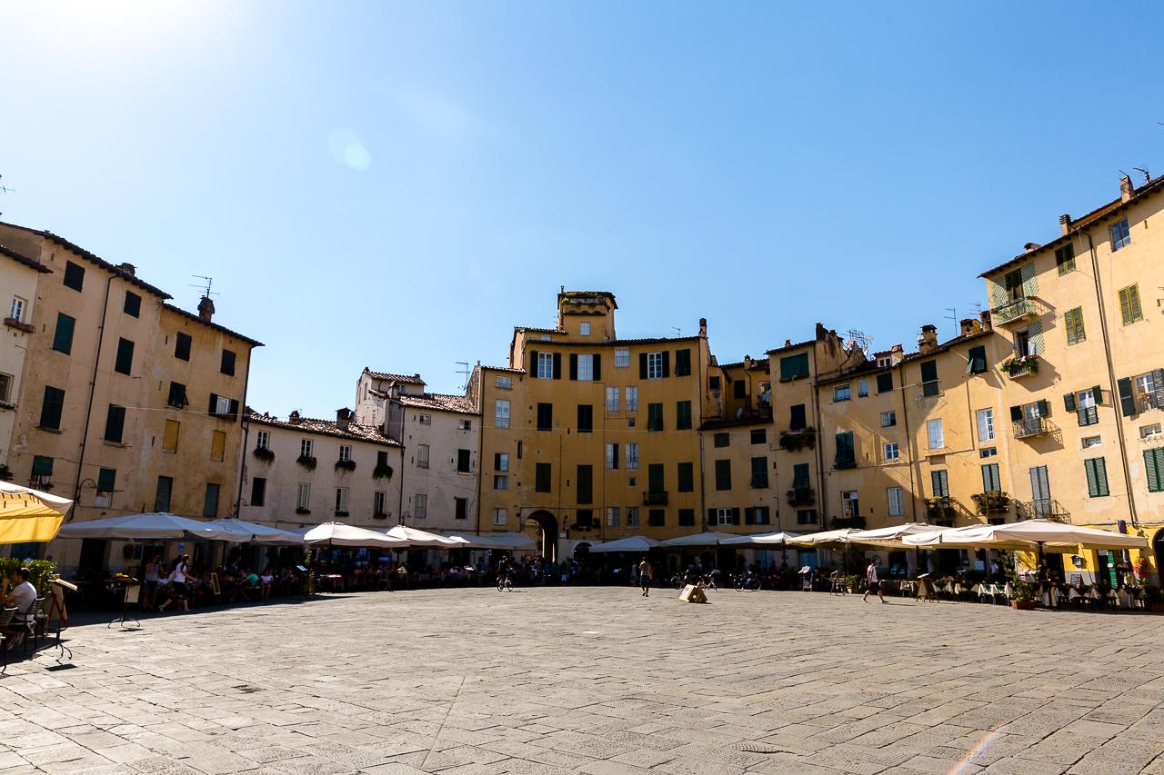 Bild: Lucca Piazza dell' Anfiteatro
