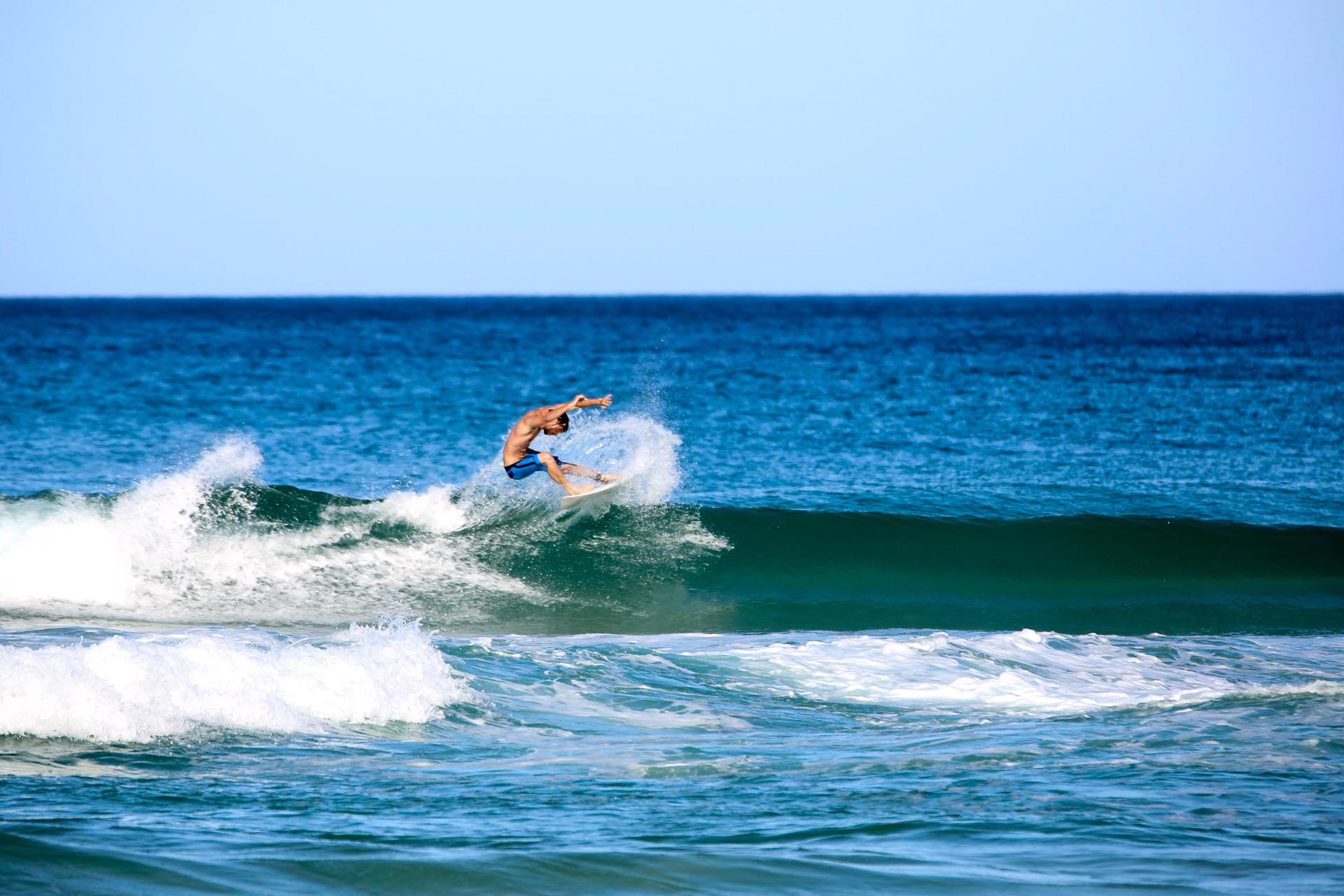 Bild: Surfer in Byron Bay Australien Ostküste