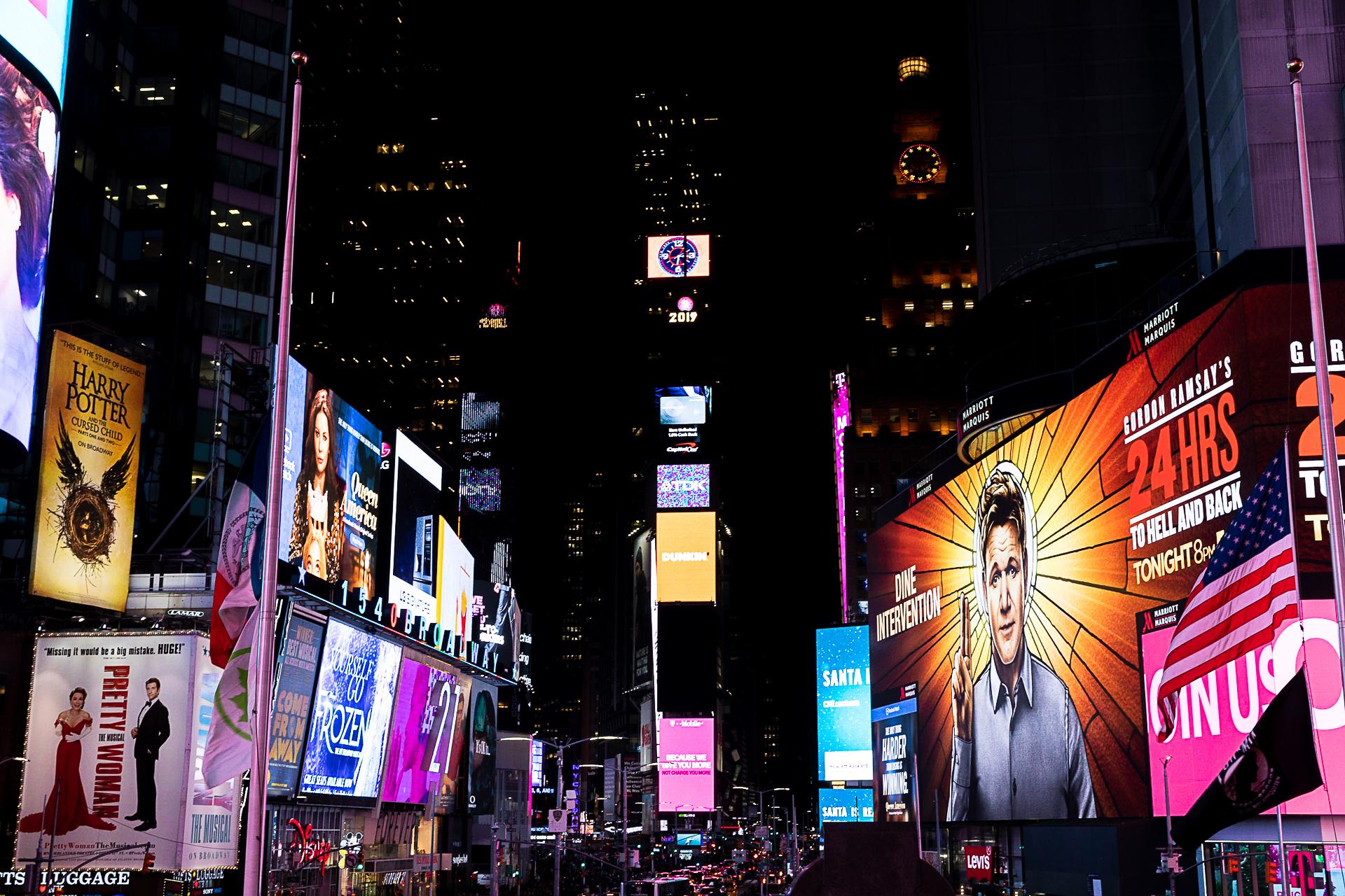 Bild: Der Times Square bei Nacht Fotospot New York