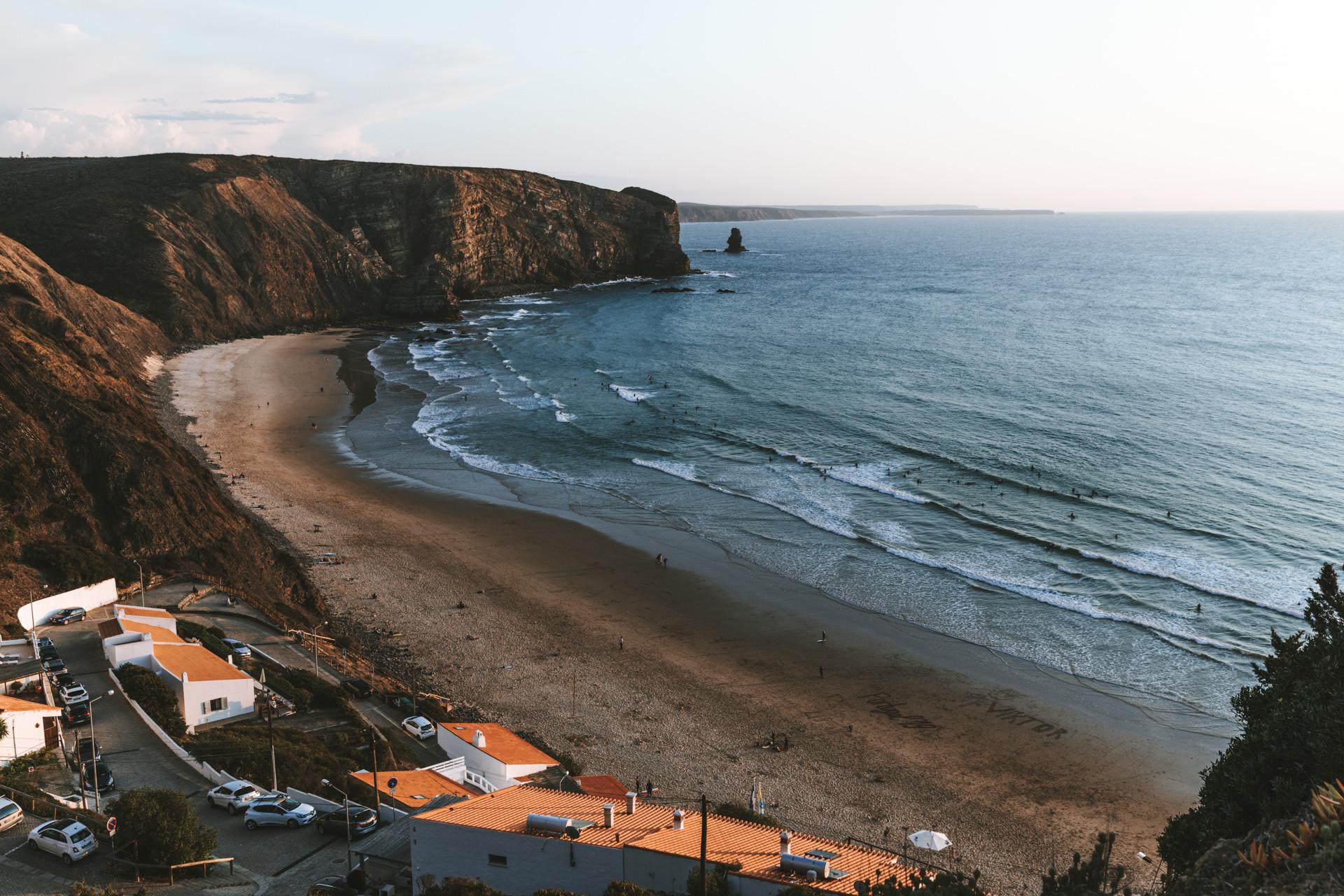 Strand Praia da Arrifana surfen lernen Portugal