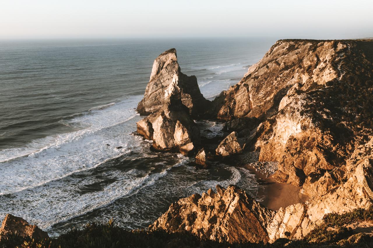Einer der schönsten Strände in Portugal Praia da Ursa am Cabo da Roca bei Lissabon