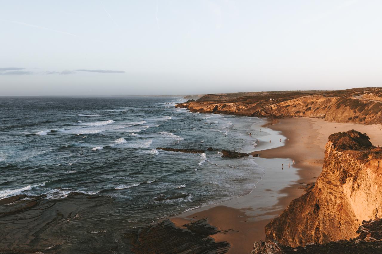 Praia de Monte Clérigo surfen Schöne Strände in Portugal
